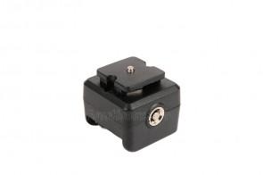 Blitz - Adapter mit Mittenkontakt f. Canon Nikon ...